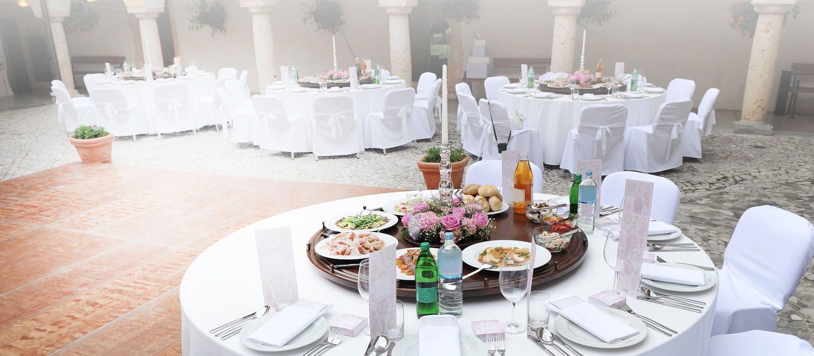 Weddings can be stressfule catering doesnt have to be junglespirit Choice Image